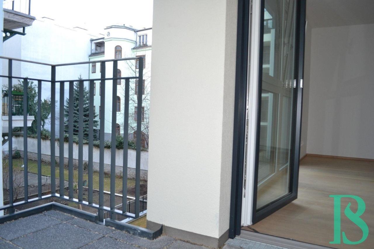 Terrasse/Blick Zimmer