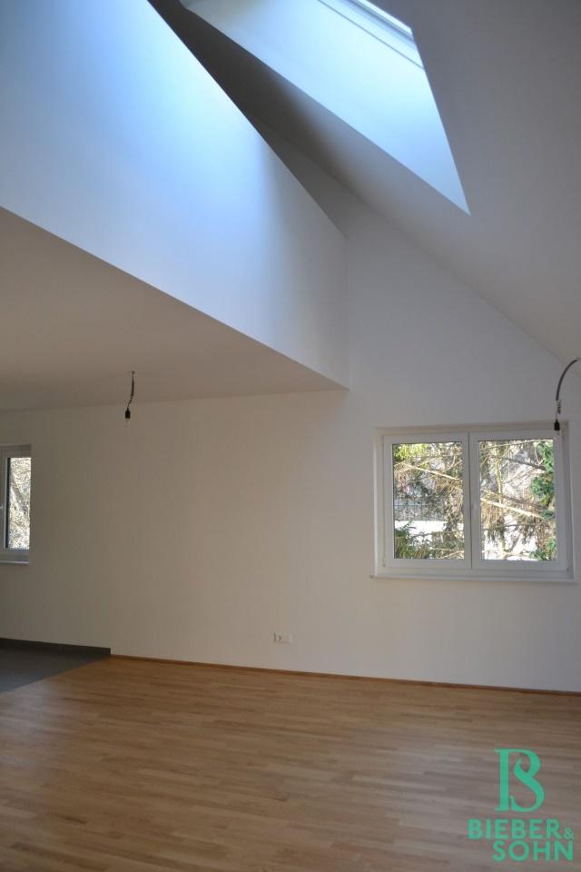 Blick Wohnraum vom Zimmer