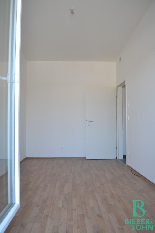 Zimmer/Blick von Terrasse