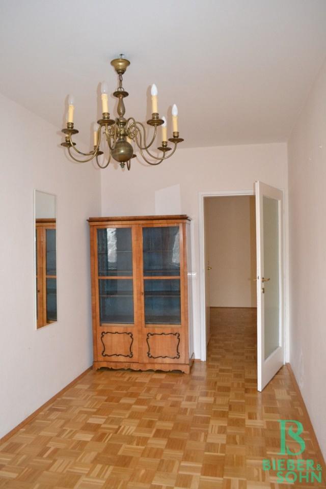 Zimmer/Blick Vorraum