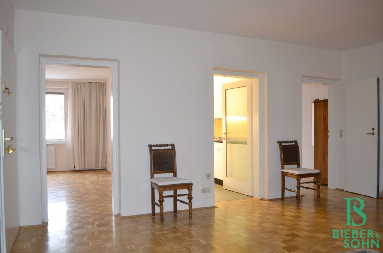 Blick Zimmer/Küche