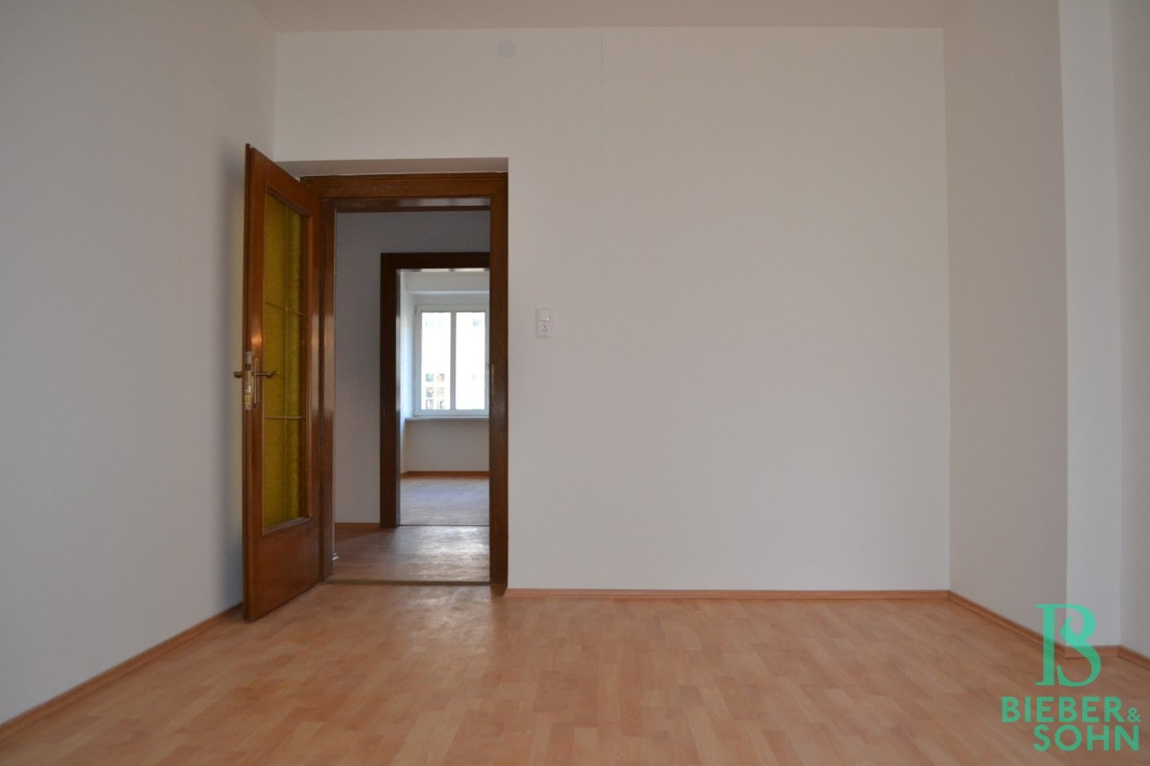 Zimmer 3/Blick zu Zimmer 2