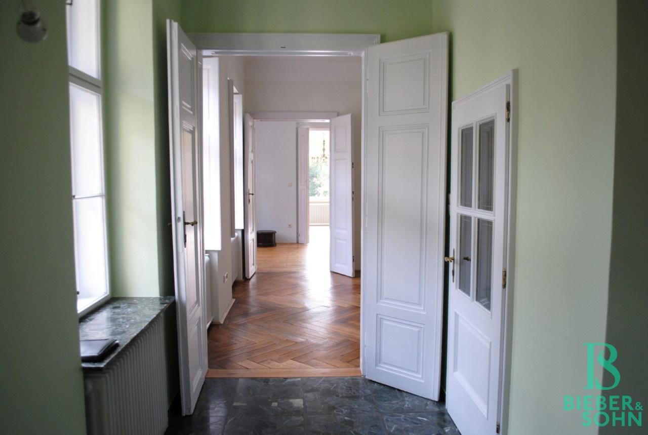 Vorraum / Küche / WC