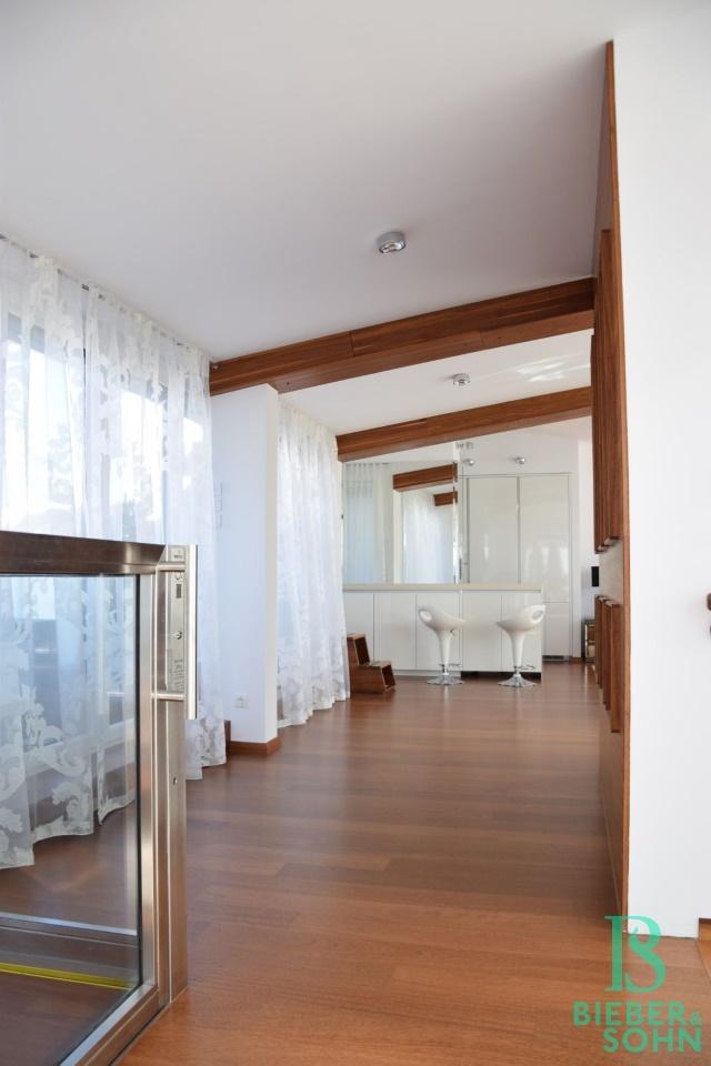 Blick Salon/Lift