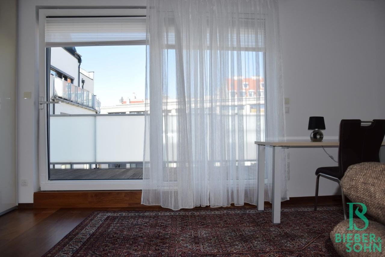 Zimmer 1/Ausgang Terrasse