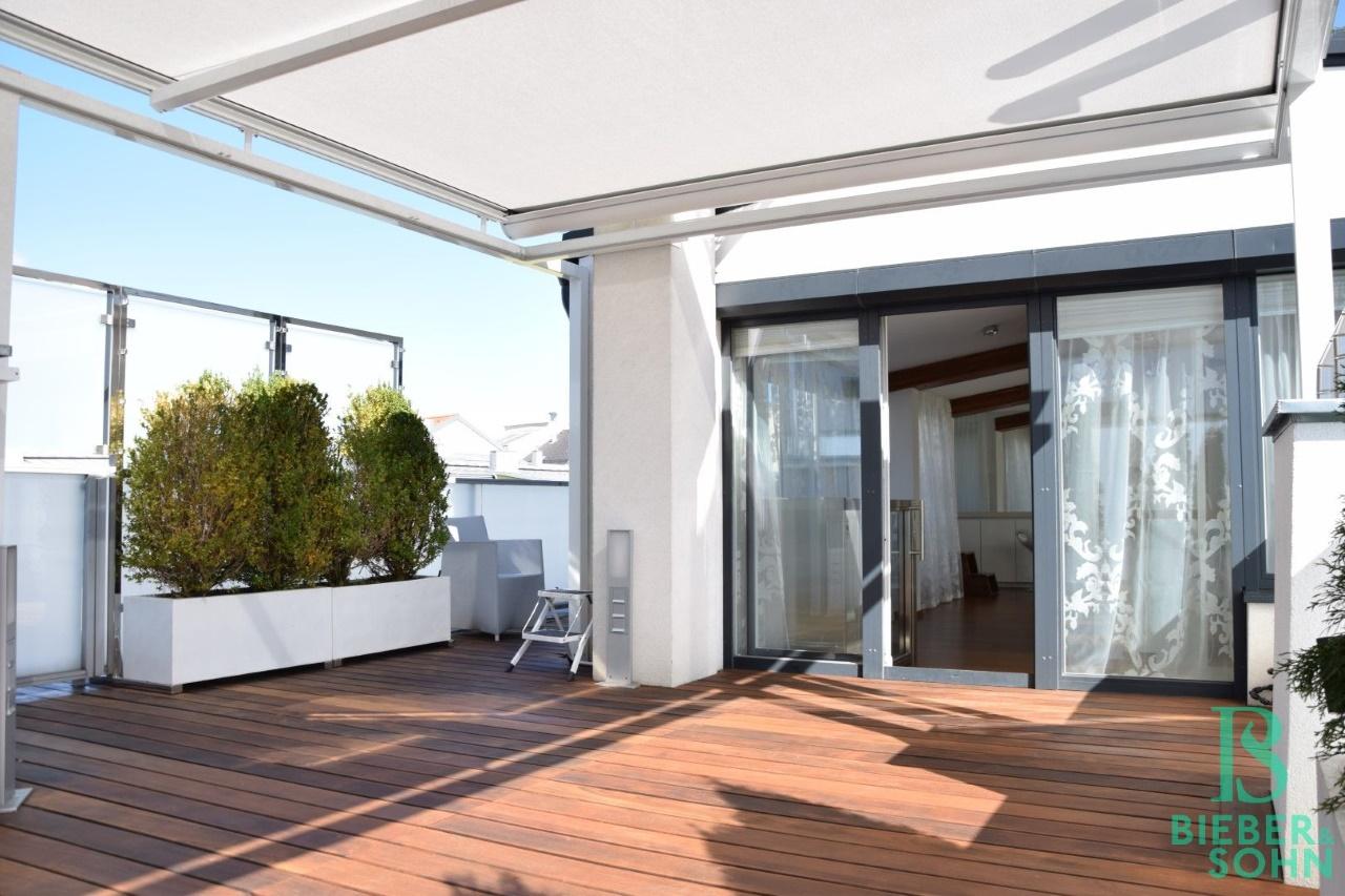 Dachterrasse/Blick Wohnsalon