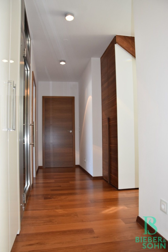 Blick Wohnungseingang/Vorraum