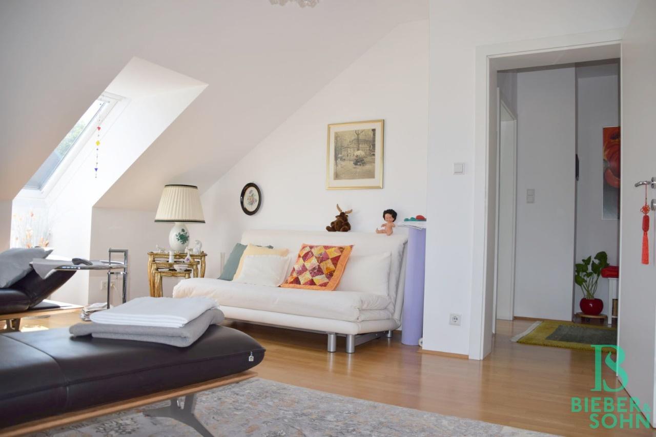 Wohnzimmer/Blick Vorraum
