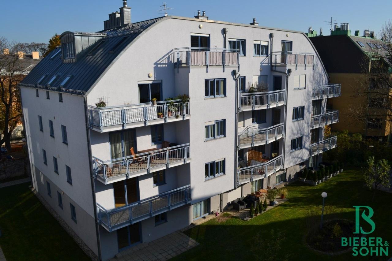 Hausansicht Süd mit Balkon