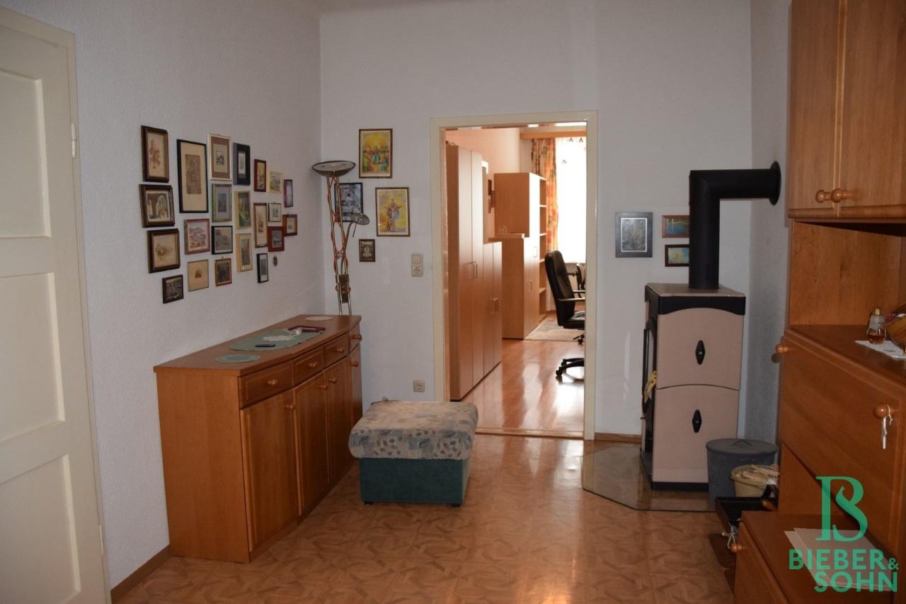 Wohnraum/Blick Büro