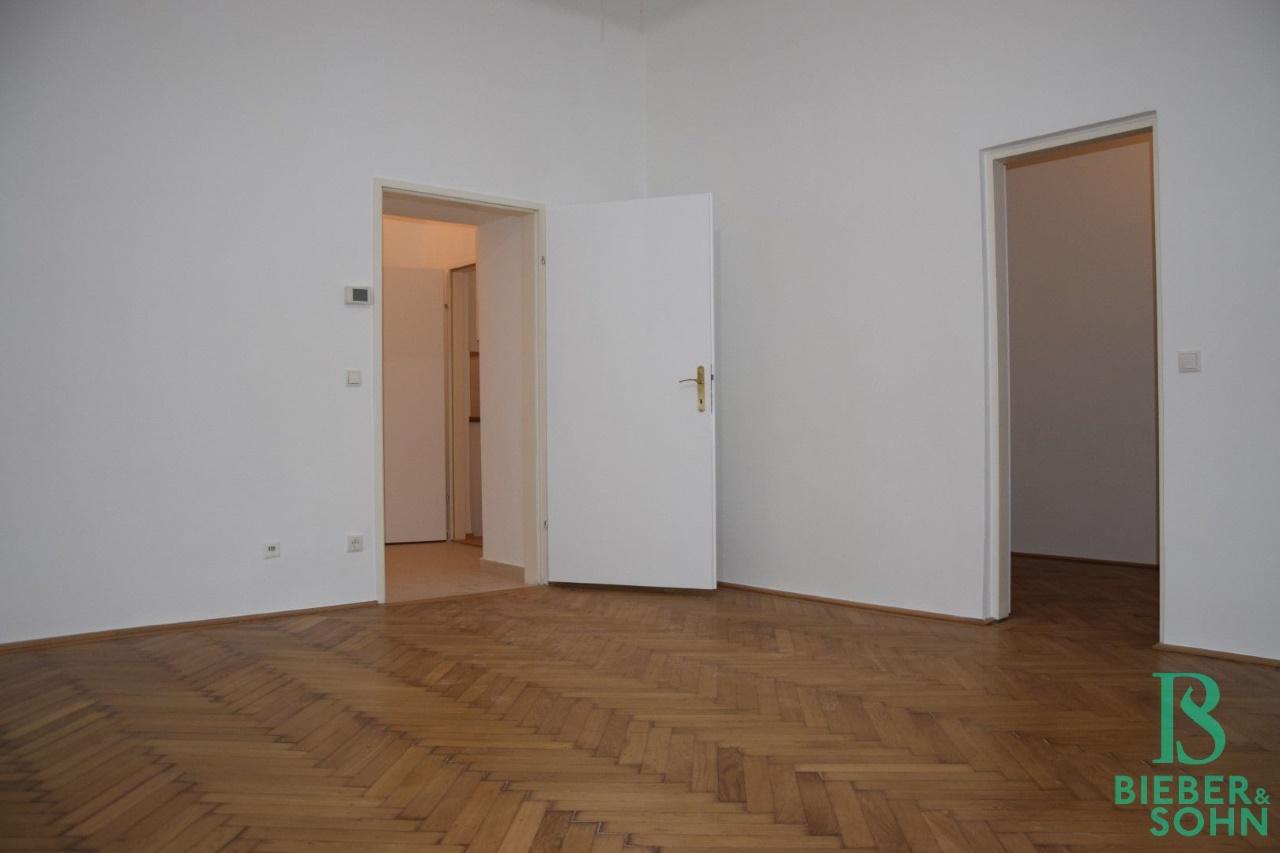 Wohnraum/Blick Kabinett 1/Vorraum