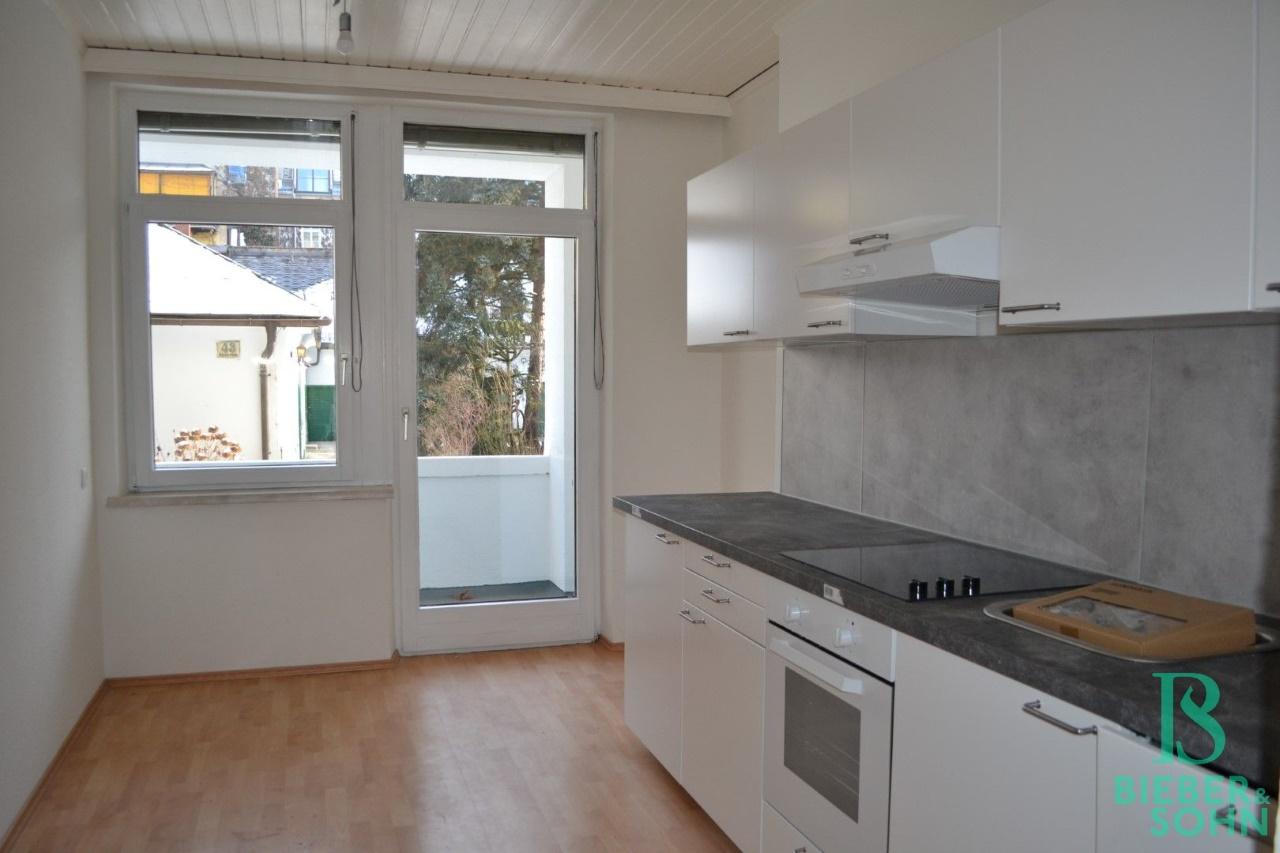 Küche/Blick Loggia