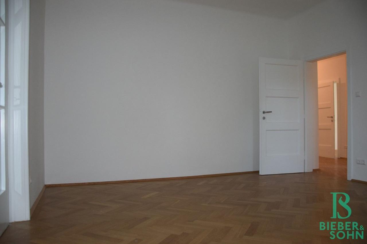 Zimmer 1/Blick Vorraum