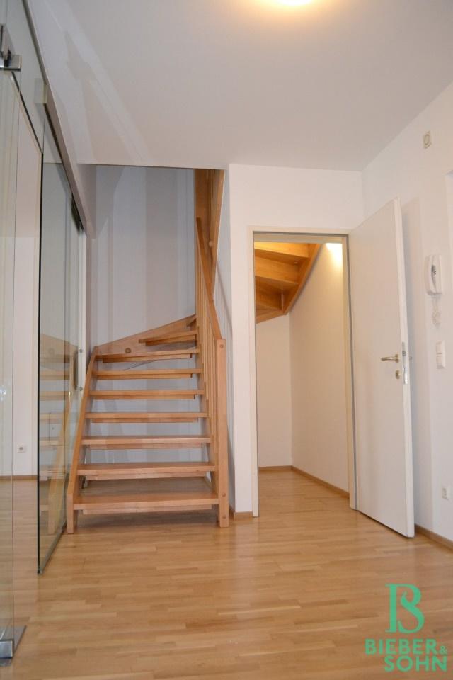 Vorraum/Abstellraum/Stiegenaufgang
