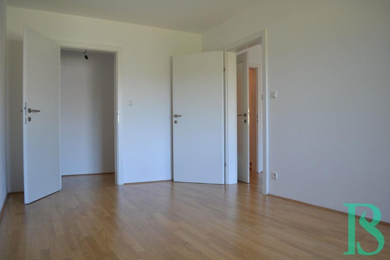 Zimmer/beg. Garderobe