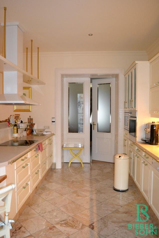 Küche/Blick Esszimmer