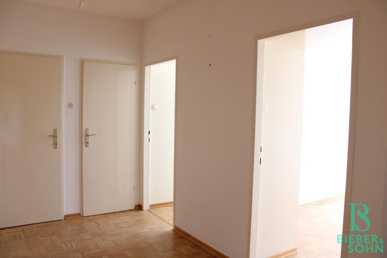 Vorzimmer / Zimmer 1 / Zimmer 2 / Bad / WC