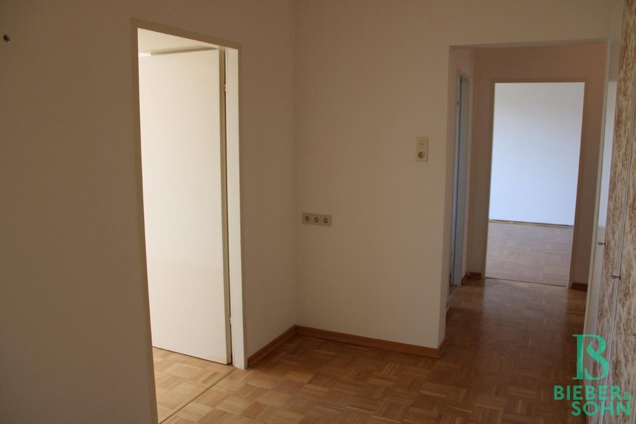 Vorzimmer / Zimmer 1 / Vorraum