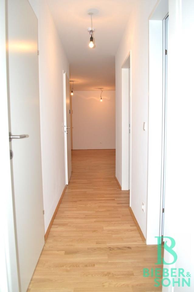 Flur Richtung Zimmer 1