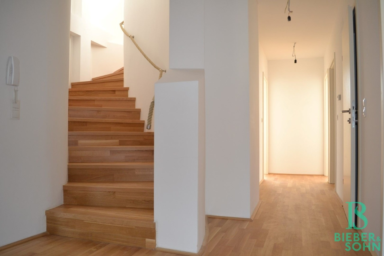 Stiegenaufgang/Flur