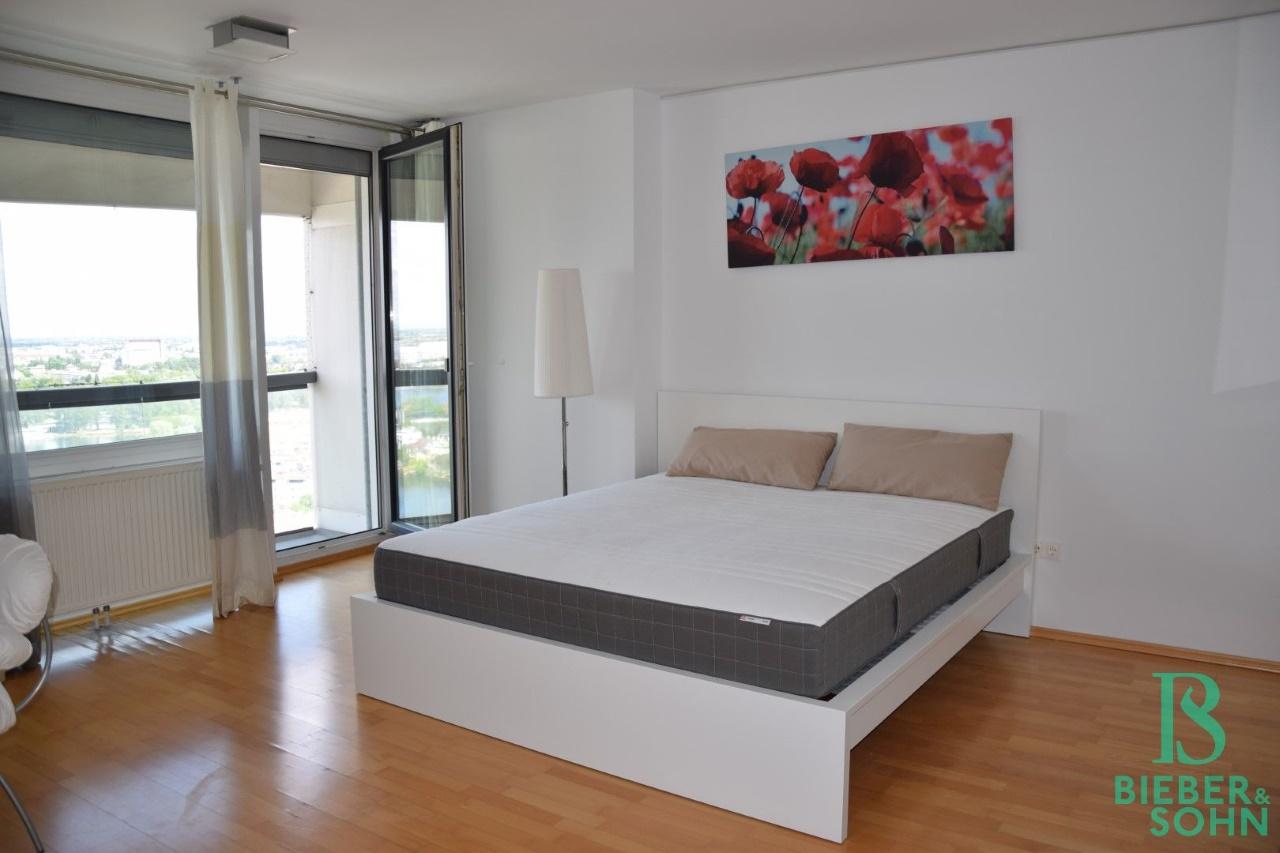 Schlafzimmer/Loggia