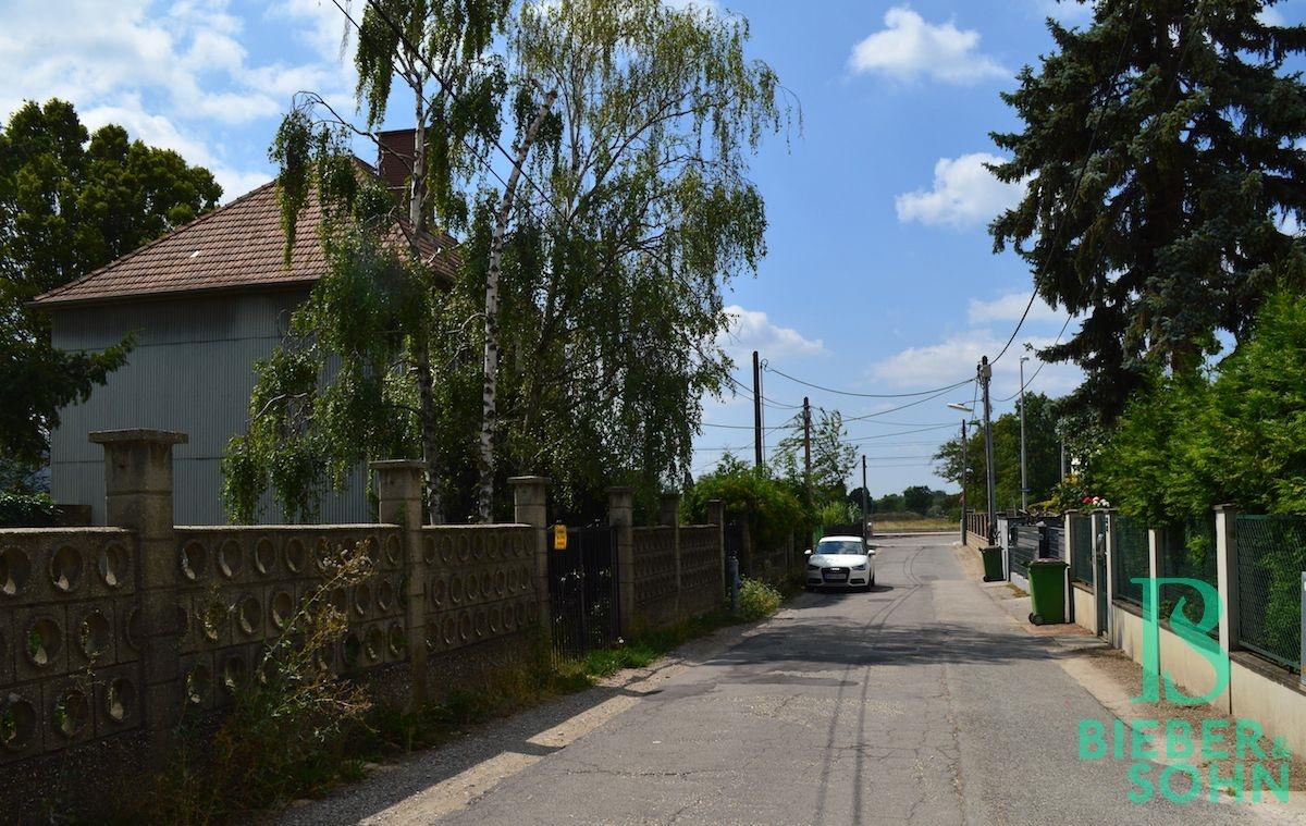 Ruhige Straße des Bauvorhabens