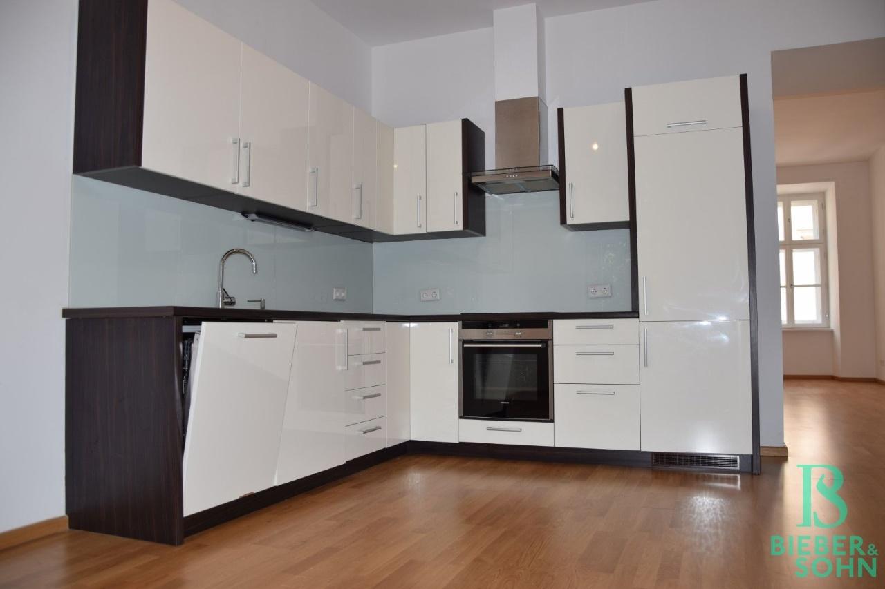 Küche/Blick Wohnraum