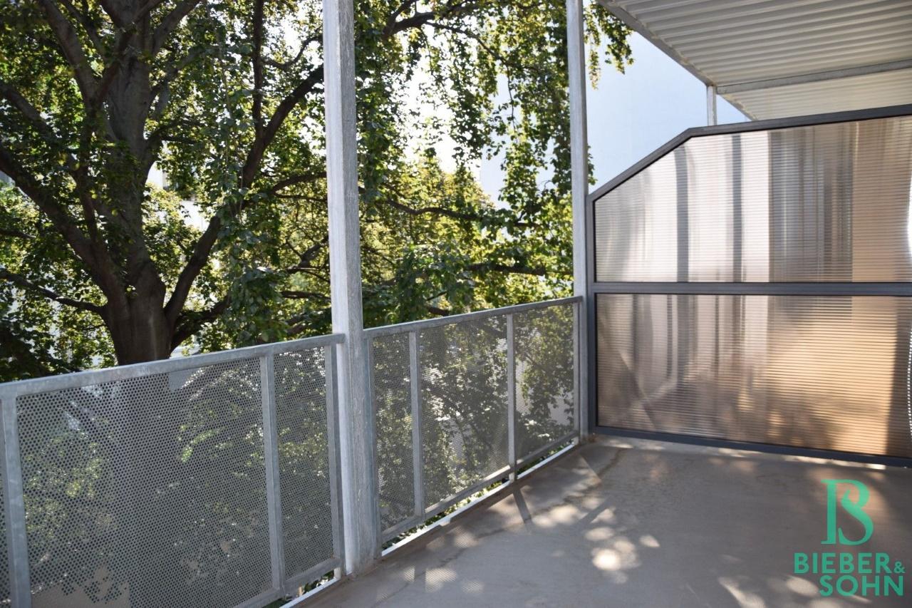 Balkon/Blick ins Grüne
