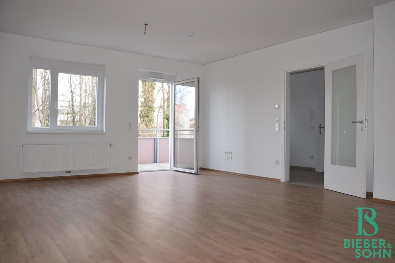 Wohnraum/Blick Balkon