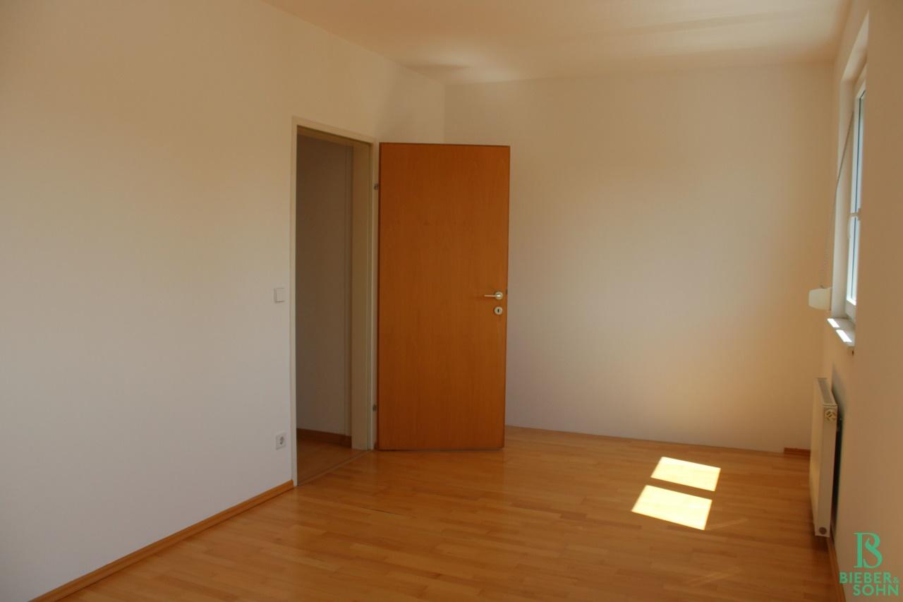 Zimmer 2 / Garderobe - Vorraum