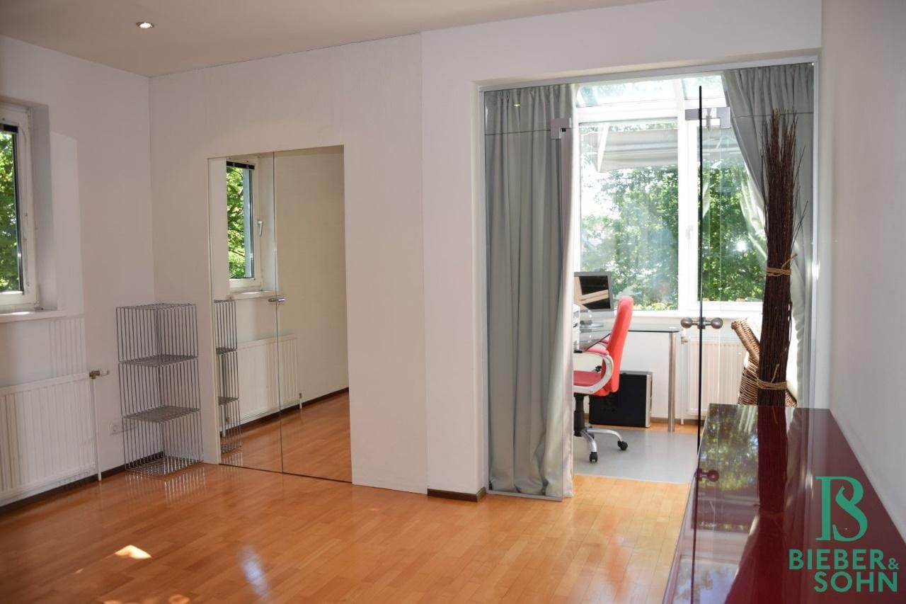 Schlafzimmer/Blick Veranda