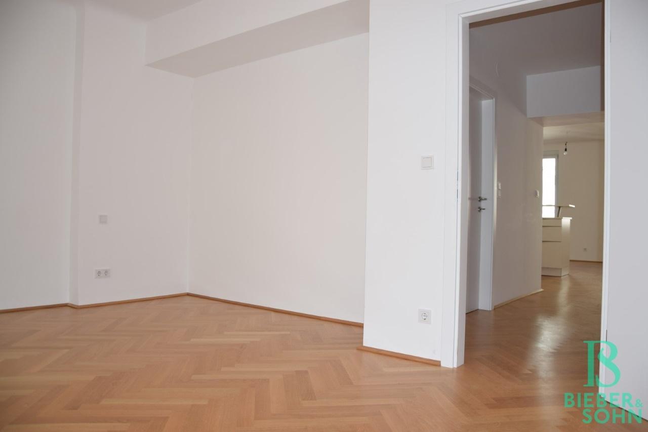 Zimmer /Blick Diele
