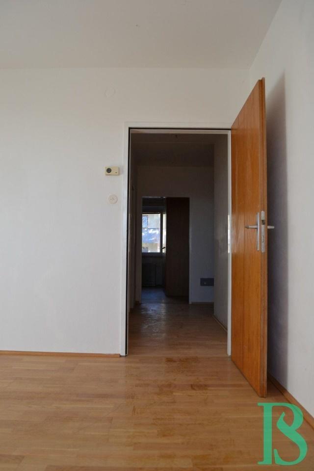 Zimmer 3/Blick Vorraum