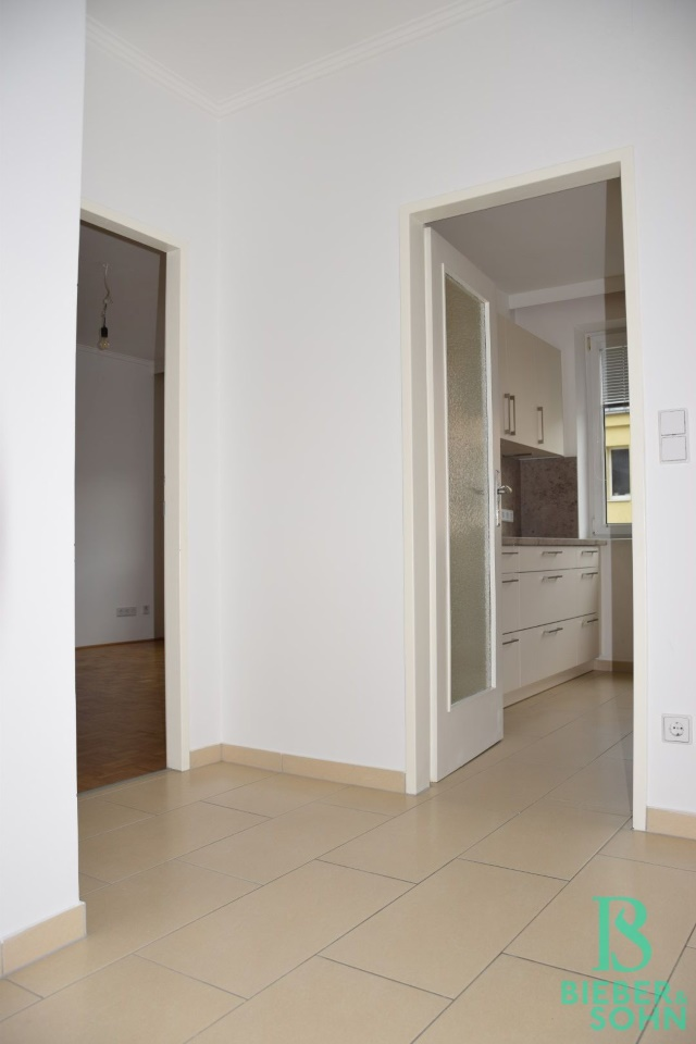 Vorraum/Blick Küche/Wohnzimmer