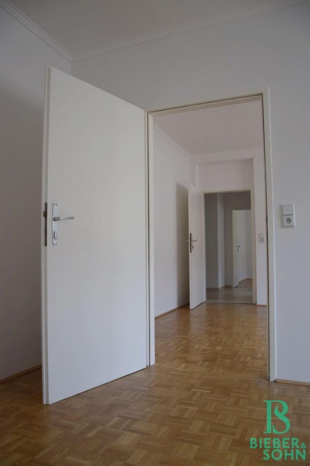 Zimmer 2/Blick Zimmer 1