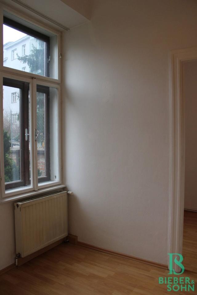 Vorraum - Essbereich / Zimmer
