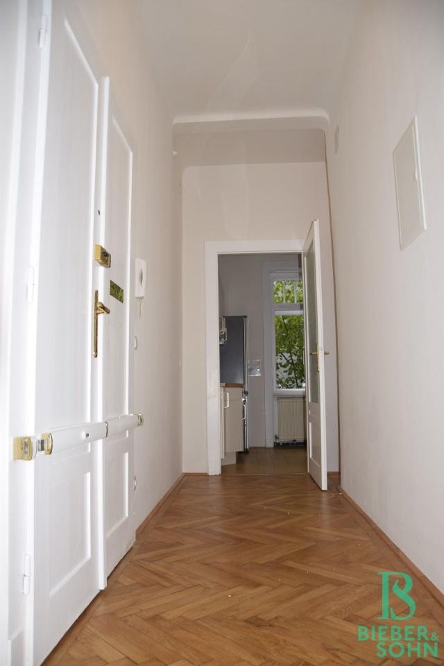Vorraum/Blick Küche