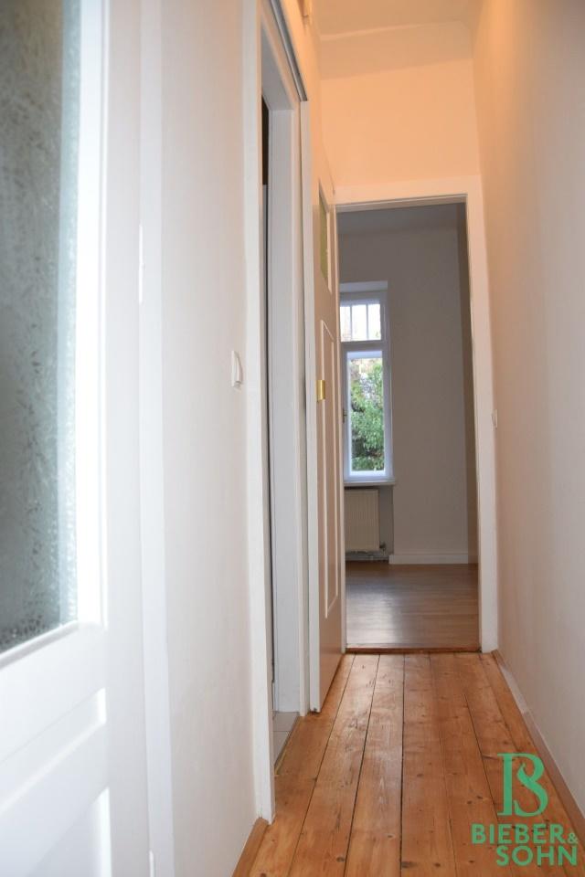 Flur/Blick kl. Zimmer