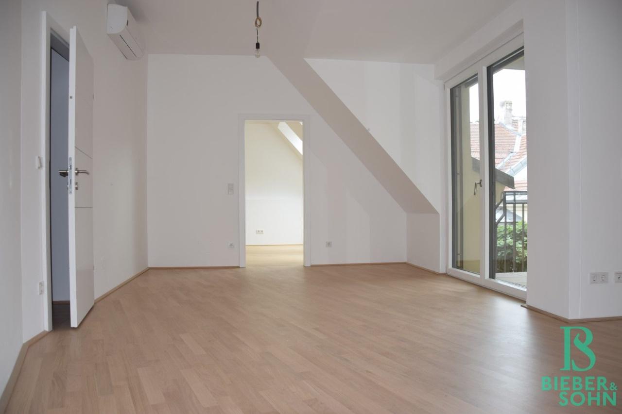 Wohnraum/Blick Schlafzimmer
