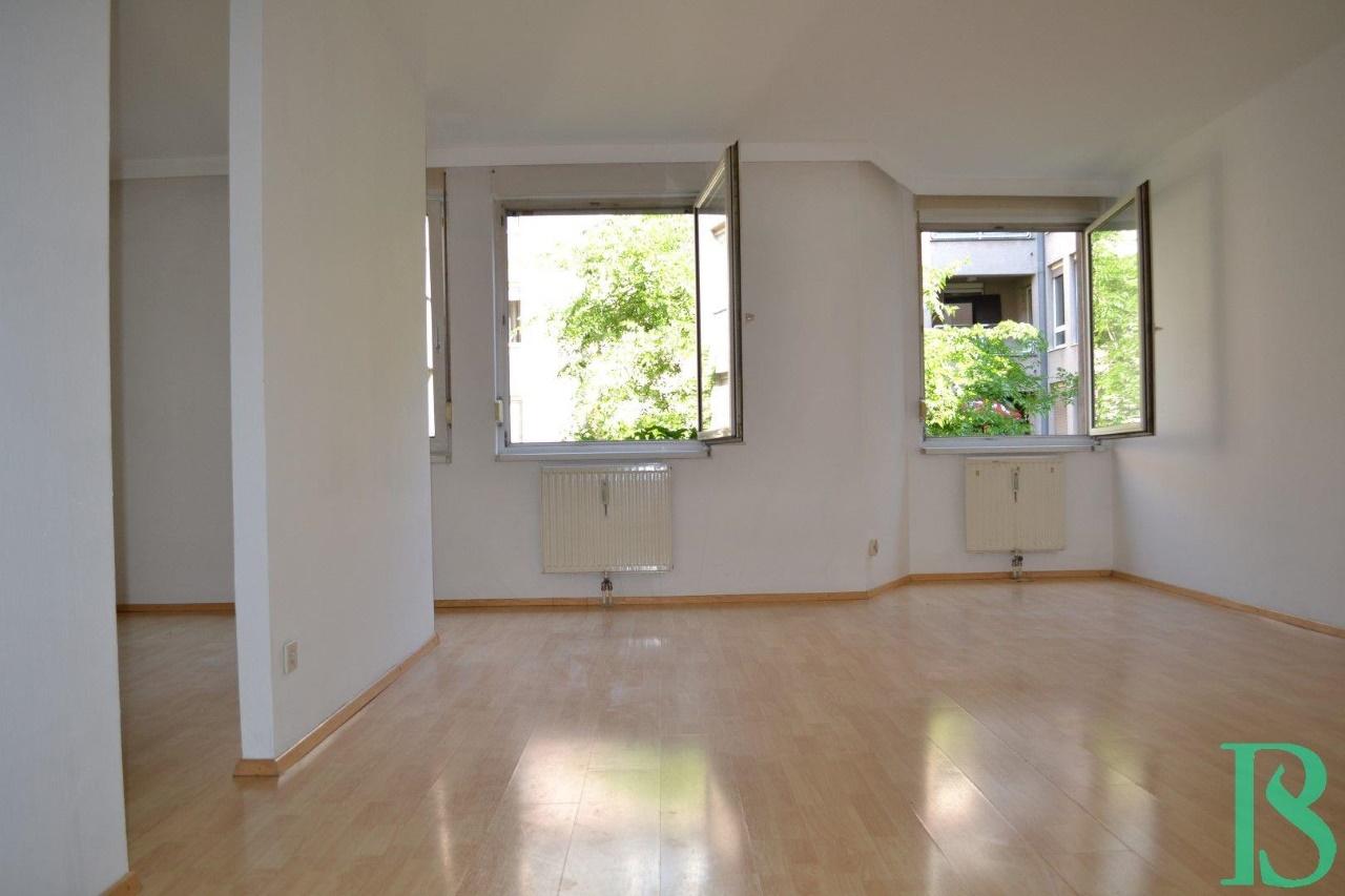 Wohnraum/Blick Innenhof
