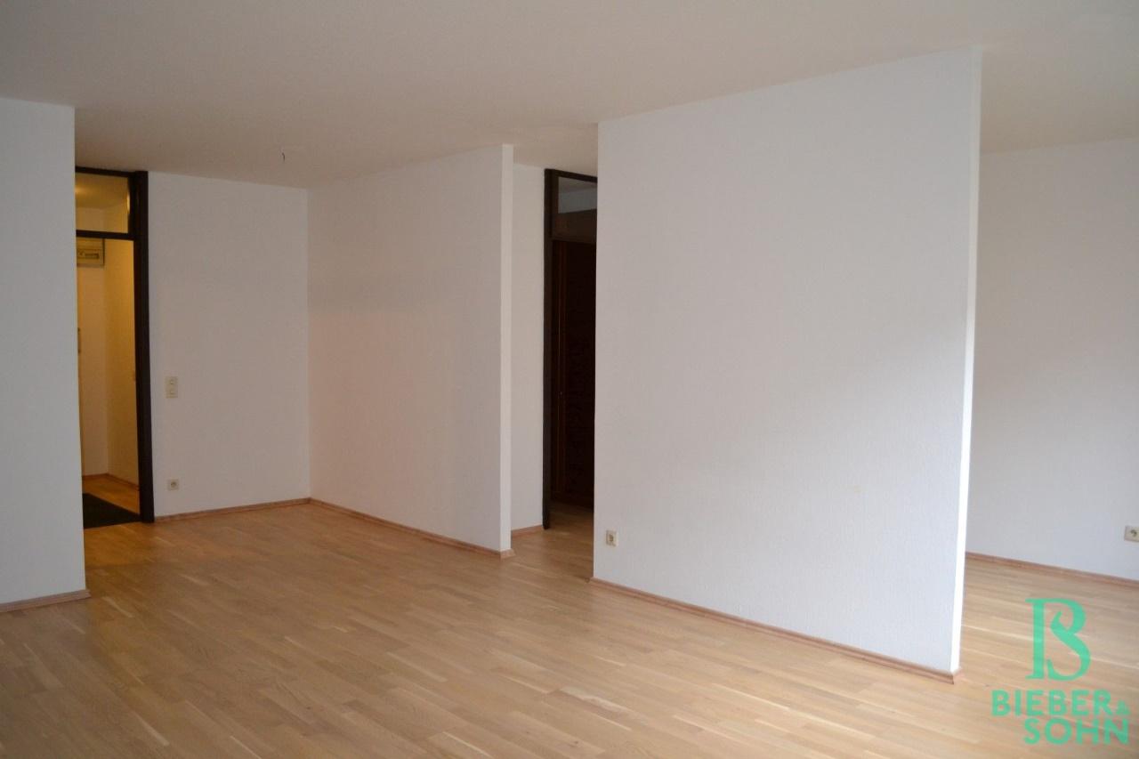Wohnzimmer/Blick Schlafraum
