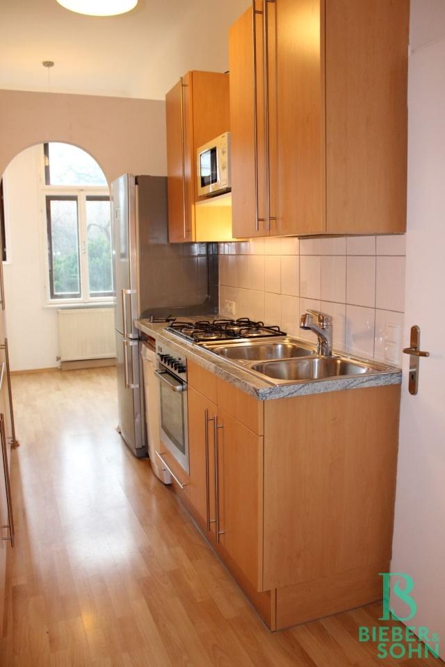 Küche / Vorraum - Essbereich