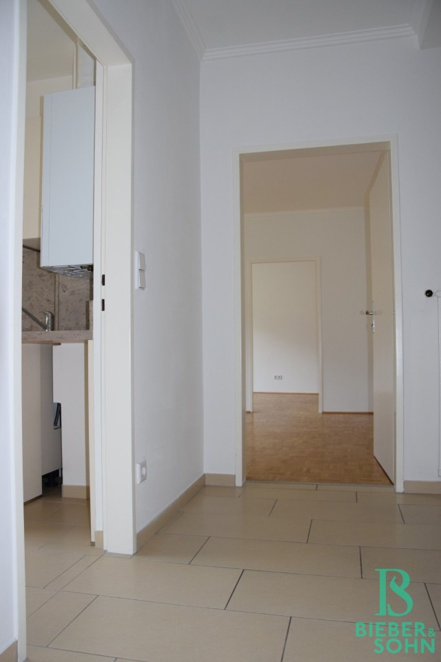 Vorraum/Blick Durchgangszimmer