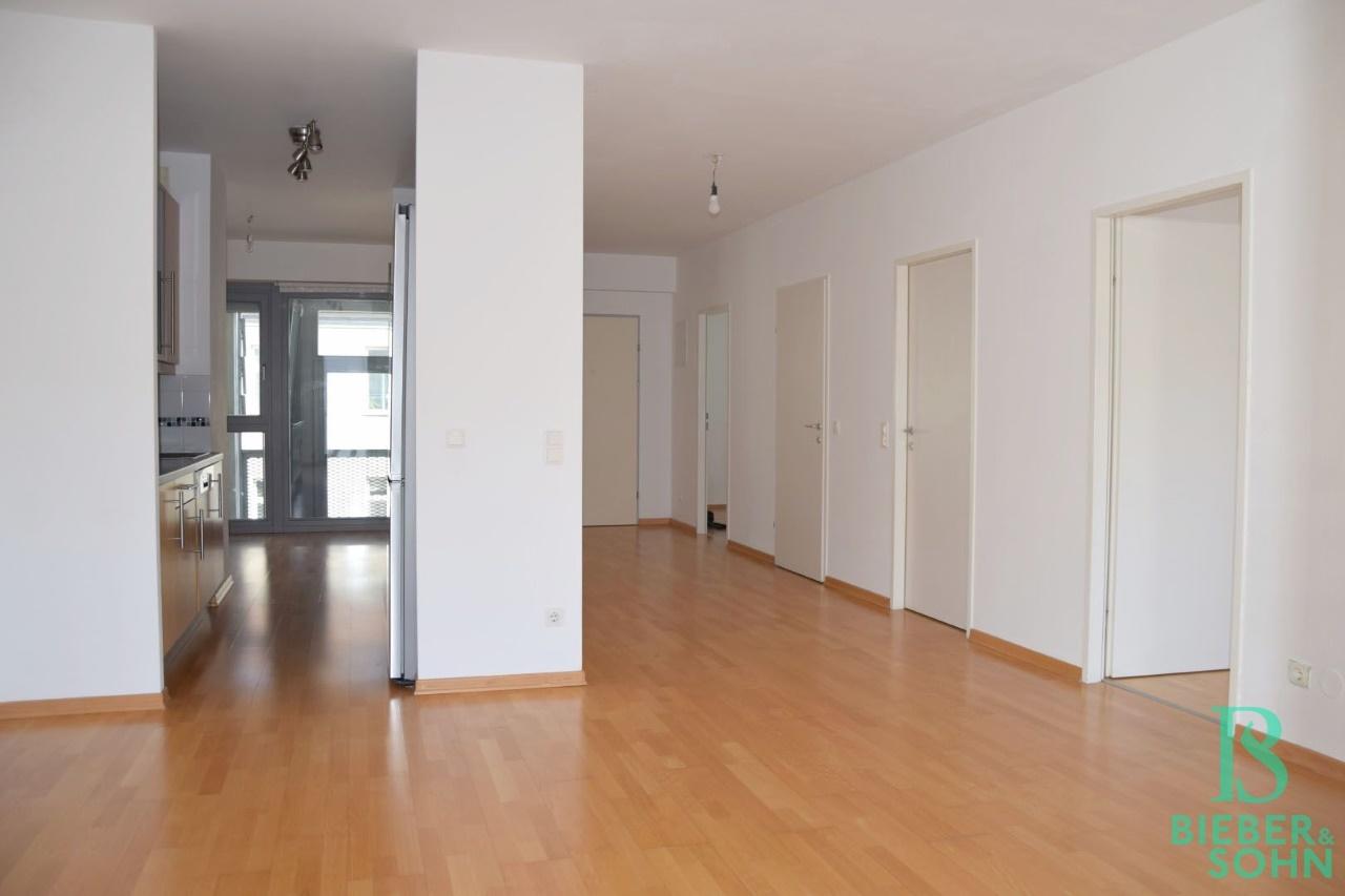 Blick Küche/Wohnraum
