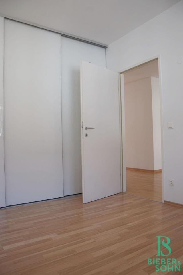 Zimmer 2/Blick Wohnraum