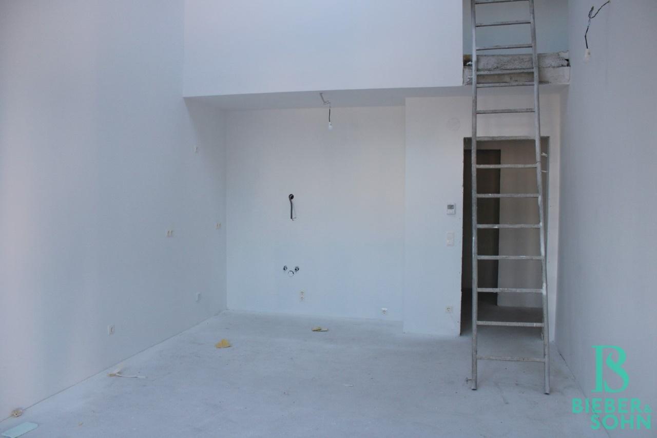 Wohnzimmer / Galerie / Flur