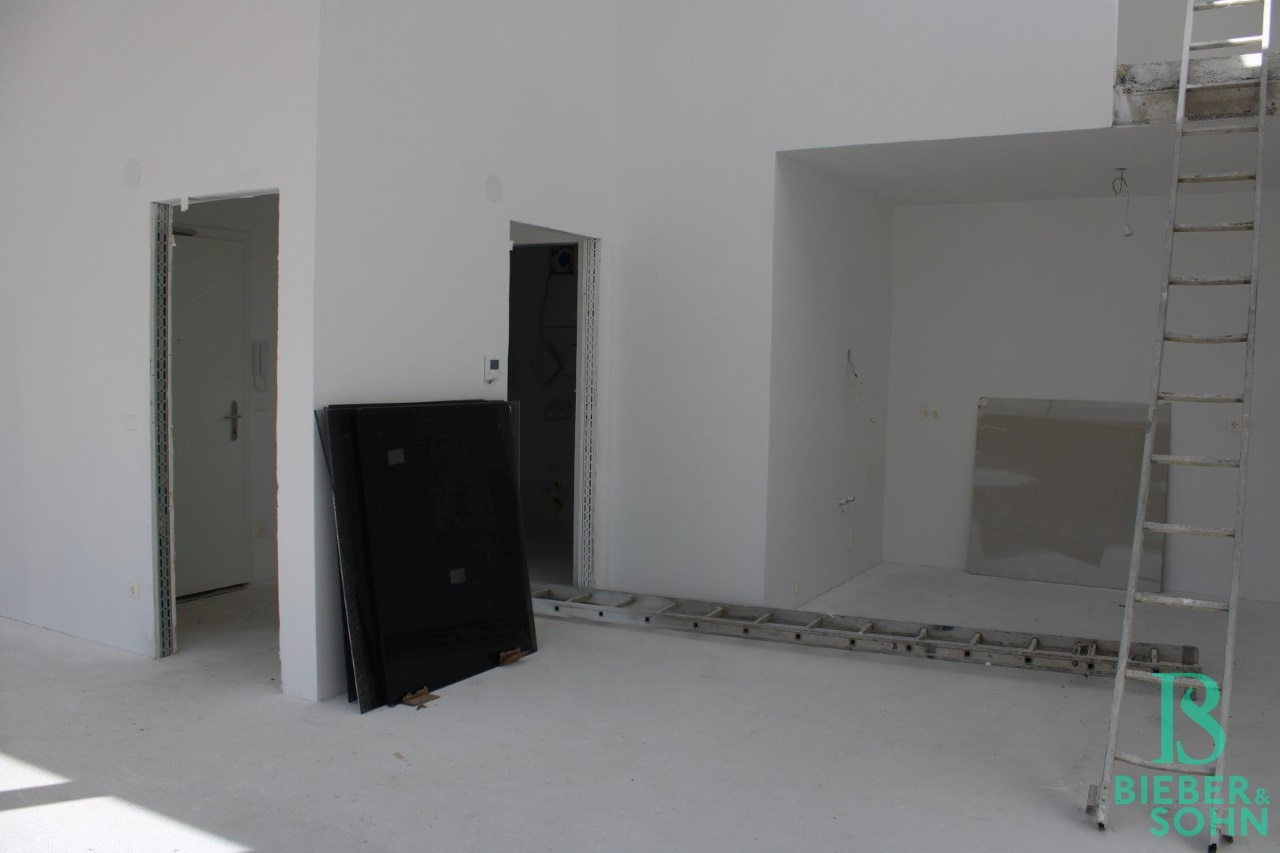 Wohnzimmer / Eingangsbereich