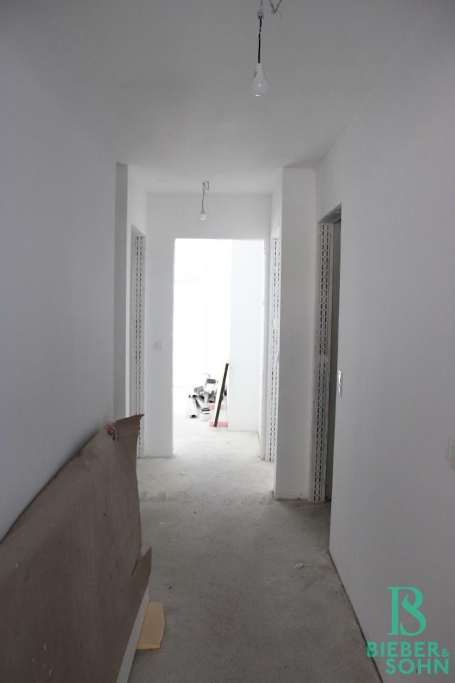 Flur / Zimmer 1 / Zimmer 2 / Bad / WC / AR