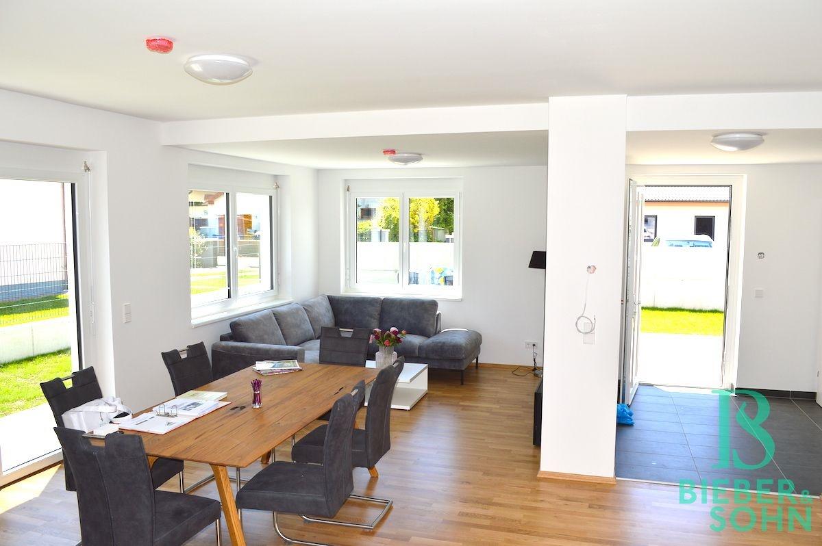 Wohnzimmer (Musterhaus)